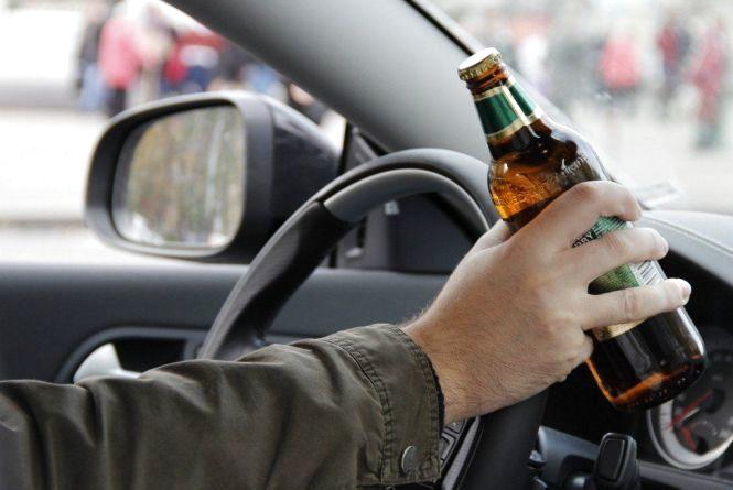 Чиновник із Хмельниччини намагався переконати суд, що 2.23 проміле надув через ліки на спирту