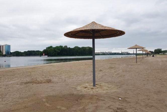 Купатися чи ні? Воду та пісок з хмельницького пляжу перевірили у лабораторії