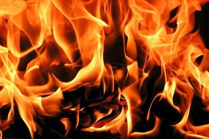 На Хмельниччині під час пожежі постраждала пенсіонерка