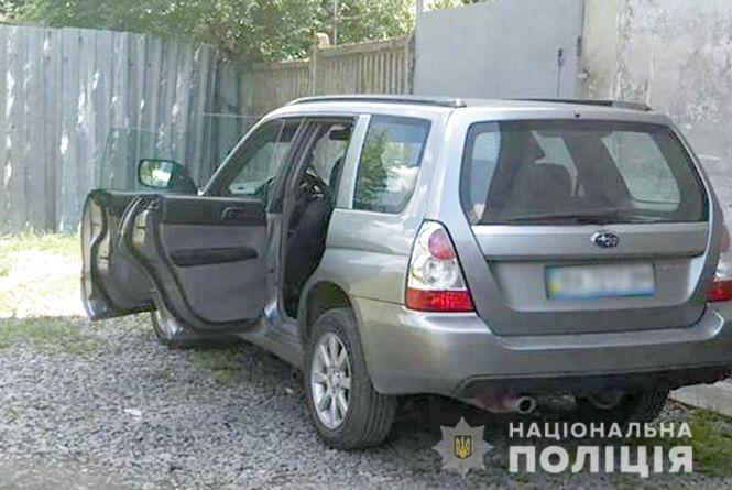 На Хмельниччині 22-річний хлопець вкрав авто у вітчима