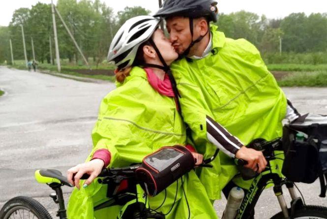 Закохані мандрівники із Хмельницького вирушають у велоподорож довжиною 5 тисяч кілометрів