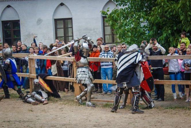 Середньовічною буде навіть їжа: що чекає гостей на фестивалі у Меджибожі