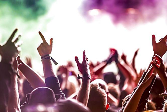 Вечірки, кіно та святкові концерти: як розважатиметься Хмельницький у серпні (АФІША)