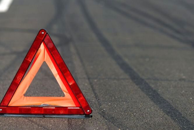 Хмельницькі патрульні розшукують водія, який втік з місця ДТП