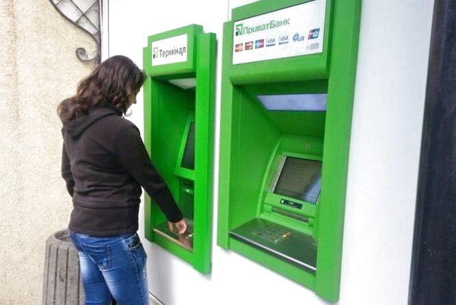 Схема на мільйони: як у Хмельницькому обчищали банкомати через помилку в системі