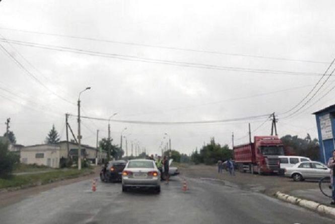 Внаслідок ДТП у Шепетівці постраждало троє людей