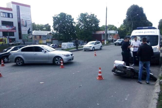 На Старокостянтинівському шосе в ДТП постраждав 18-річний хлопець