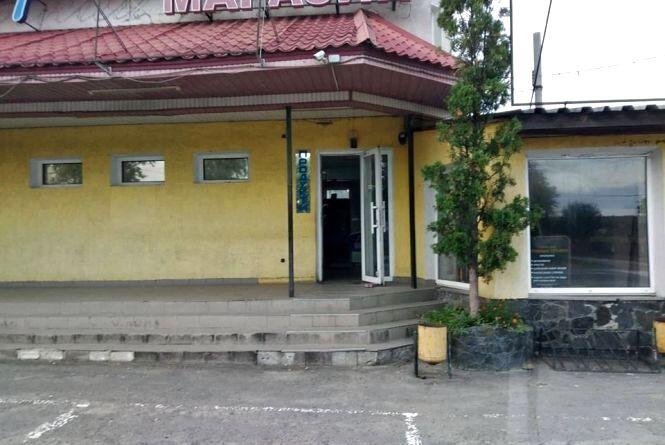 26-річний львів'янин пограбував магазин на Хмельниччині