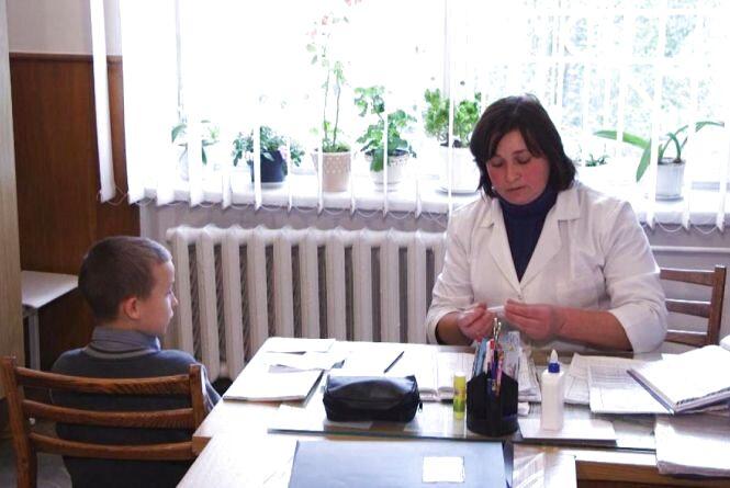 Хмельничанка Анастасія пропонує повернути до шкіл посаду педіатра