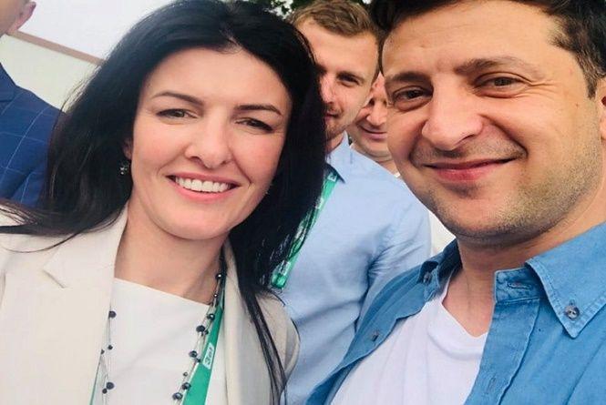 Депутатка-мажоритарниця з Хмельниччини вибачилася за кнопкодавство
