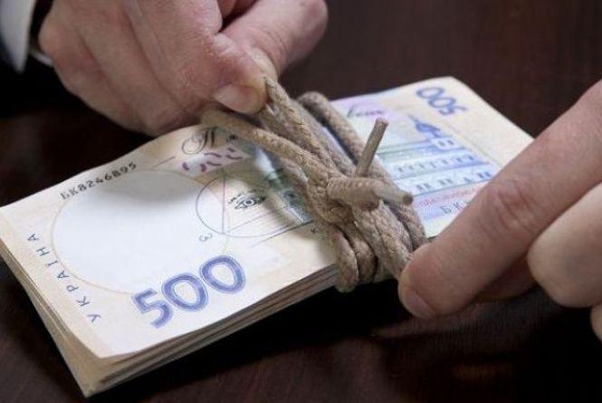 """На Хмельниччині адвокат пропонував судді хабар за справу по """"130-тій"""""""