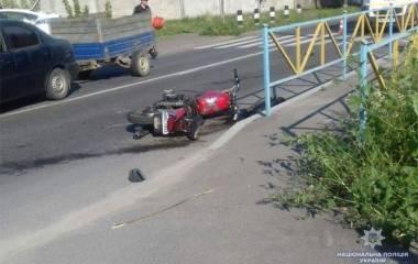 """В Гречанах мотоцикл влетів у """"Peugeot"""". Є загиблі"""