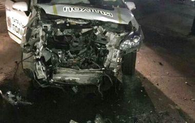 Розтрощений поліцейський «Prius» та збитий велосипедист: хроніка ДТП у Хмельницькому