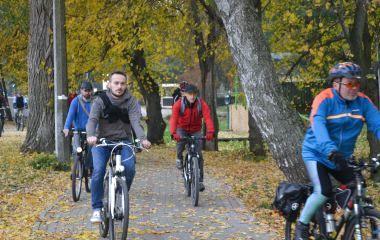 У Хмельницькому пробігом через усе місто закрили велосезон (ФОТО)