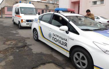 """Вулицями Хмельницького ганяють патрульні і """"швидкі"""": що сталося"""