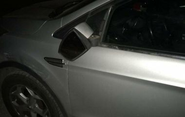 Хмельницькі патрульні розшукують Peugeot, який втік з місця ДТП