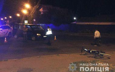 У Хмельницькому Mercedes збив велосипедиста