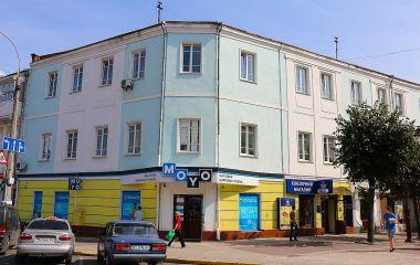 Хто та за скільки орендує комунальні приміщення у центрі Хмельницького