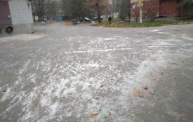 У Хмельницькому пролітає перший сніг (ВІДЕО)