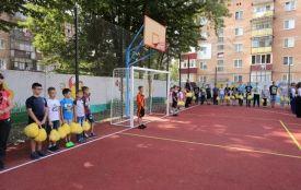 Хто та за скільки ремонтує спортивні майданчики у хмельницьких школах (КАРТА)