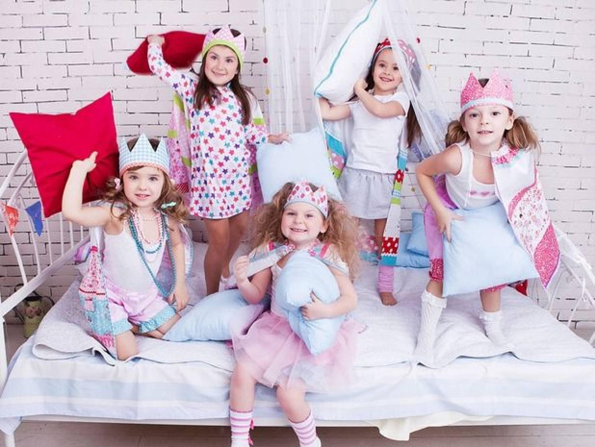 справить день рождения в пижамном стиле фото подсознательном уровне понимаем