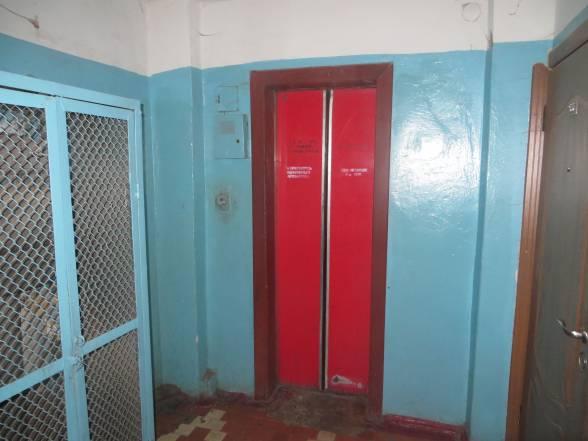 Ліфт на Соборній, 58