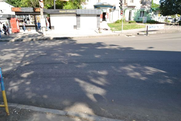 Вулиця Бандери, костел