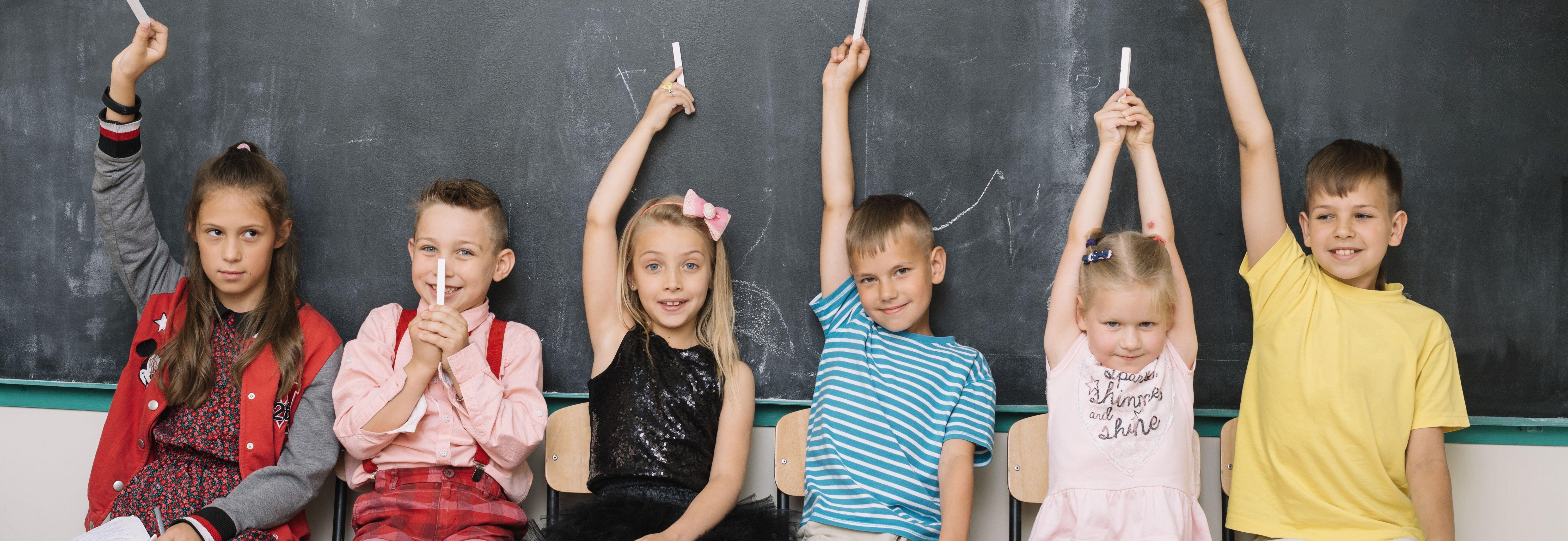 Шкільний ярмарок  збираємо дітей до школи   26 07 2018 - vsim.ua 5247c103e883a